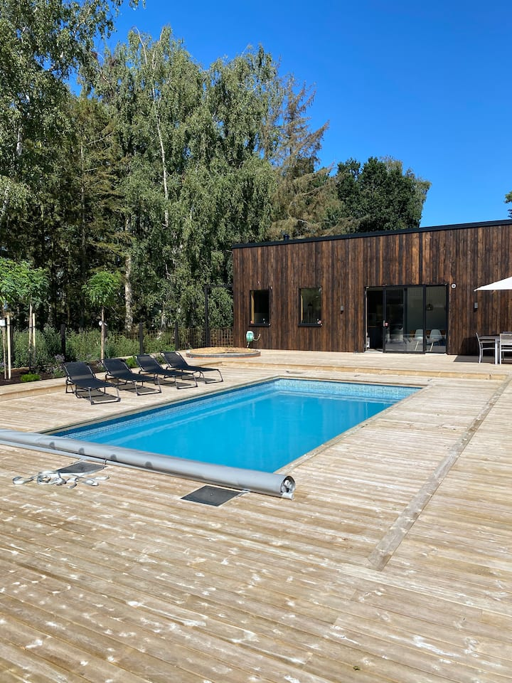 Private house, swimmingpool, sauna & all year SPA.