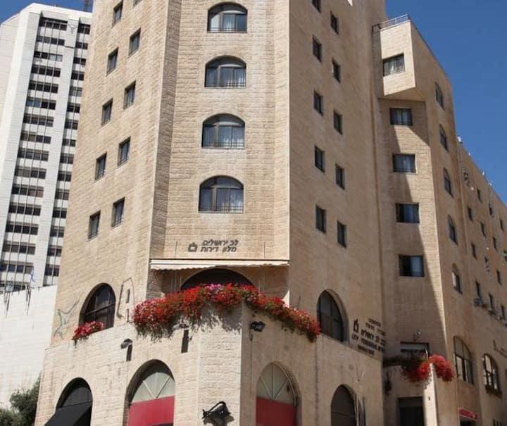 lev yerushalyim suits hotel