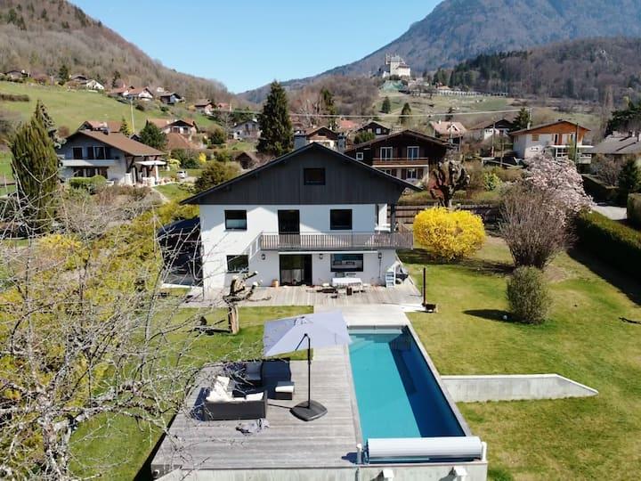 Magnifique Villa avec Piscine, à Coté du Lac