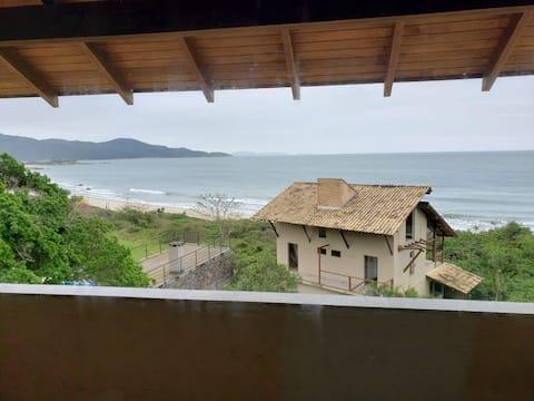 Lindo Apartamento de frente pra Praia das Cordas!