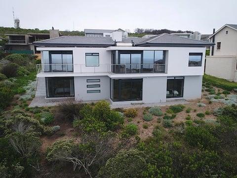 Luxurious flat on multi award winning Golf Estate
