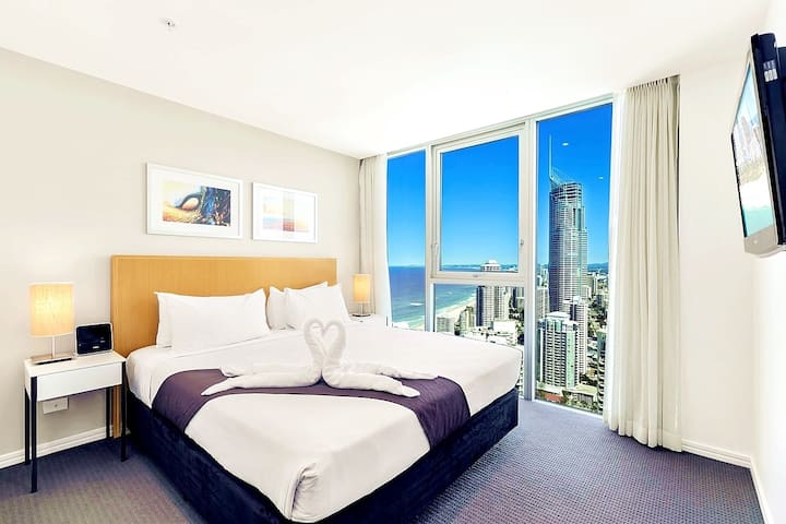 Bedrooms1 has a super king bed. Wonderful views, sunny, clean and spacious, linen comfortable.