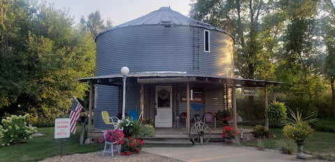 The Grain Bin Lodge and Retreat