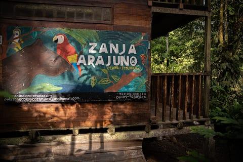 Zanja Arajuno ecological center in the Amazon