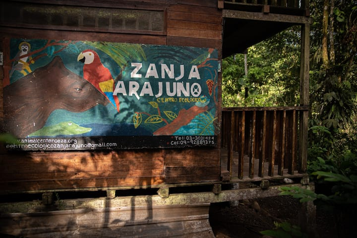 Zanja Arajuno ecological center in the Amazon