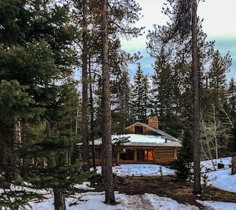 Estes Park- Charming Cabin close to Longs Peak