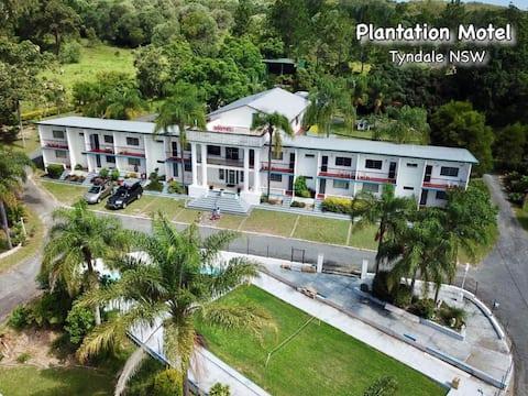 Plantation Retro Motel - Twin Room