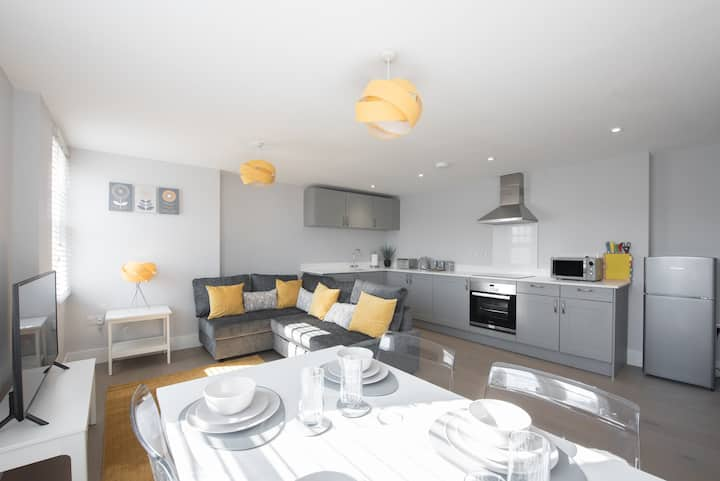 1Bed Apartment Brentwood Essex by Space Apartments