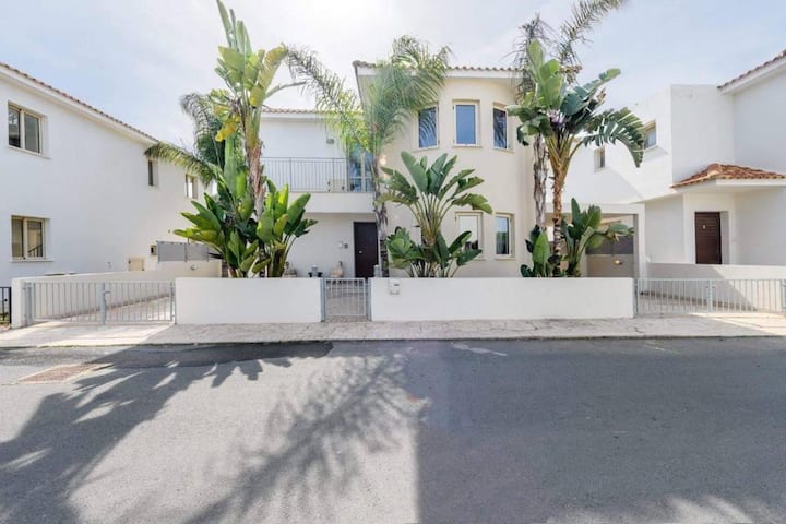 4 BDRM Palm Villa Ekaterina