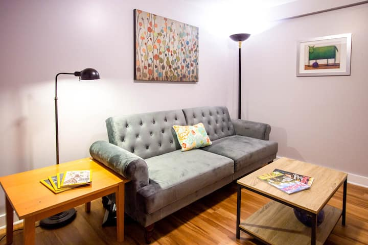 Private MIL Apt in the Heart of Urban Living!