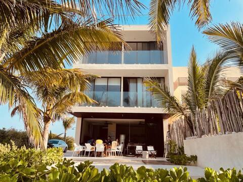 Hermosa Casa con Playa Privada