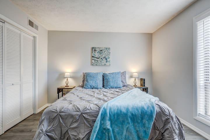 Queen Bed, Bedside Tables