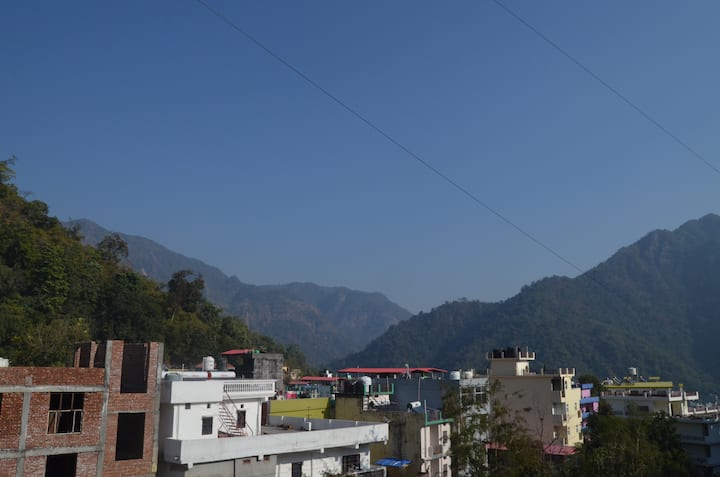 Fully equipped Mountain View apartment in Tapovan