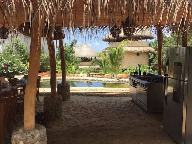 Barbarenas - Eco housing in La Punta Zicatela