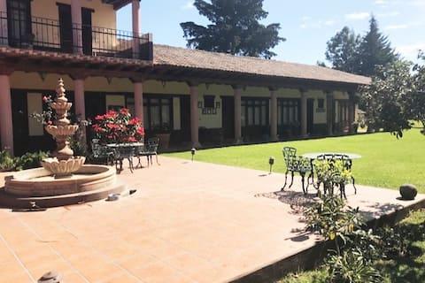 Hacienda stay in Patzcuaro super located.