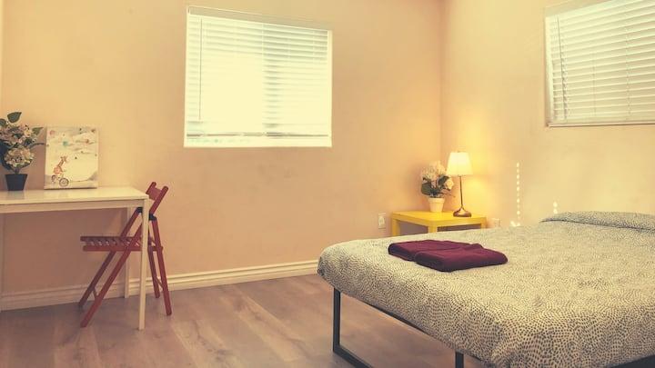 #A3, ❤️ Disney -  Private Bedroom in OC