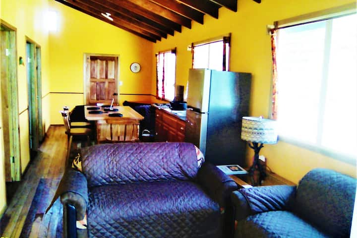 Crazy Tails Spacious  Equipped 2 Bed Mayan Home