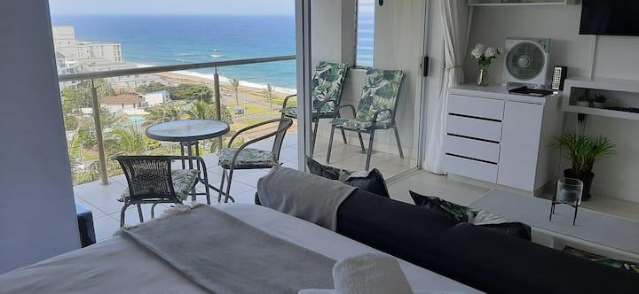 514 Umdloti Resort  Spacious  Studio breakers view