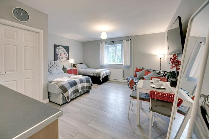 Grey Stone Studio Apartment C