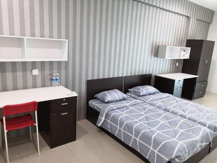 Premium Twins Room with Private Bathroom 2