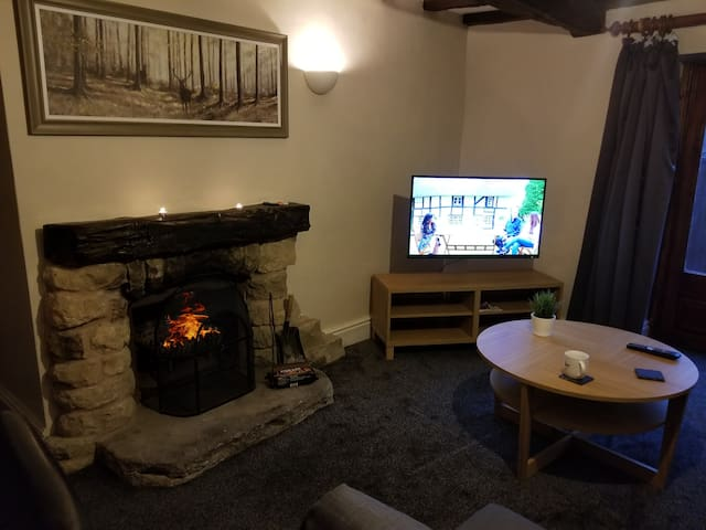Moorhay Cottage - Cosy home In the Peak District