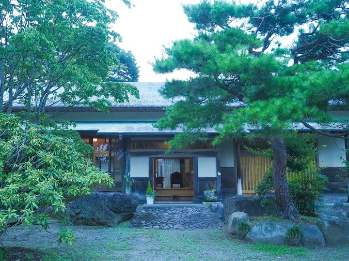那珂川別邸。野外でのBBQ。庭園でのくつろぎ。小川での川遊び。那珂川での釣り。