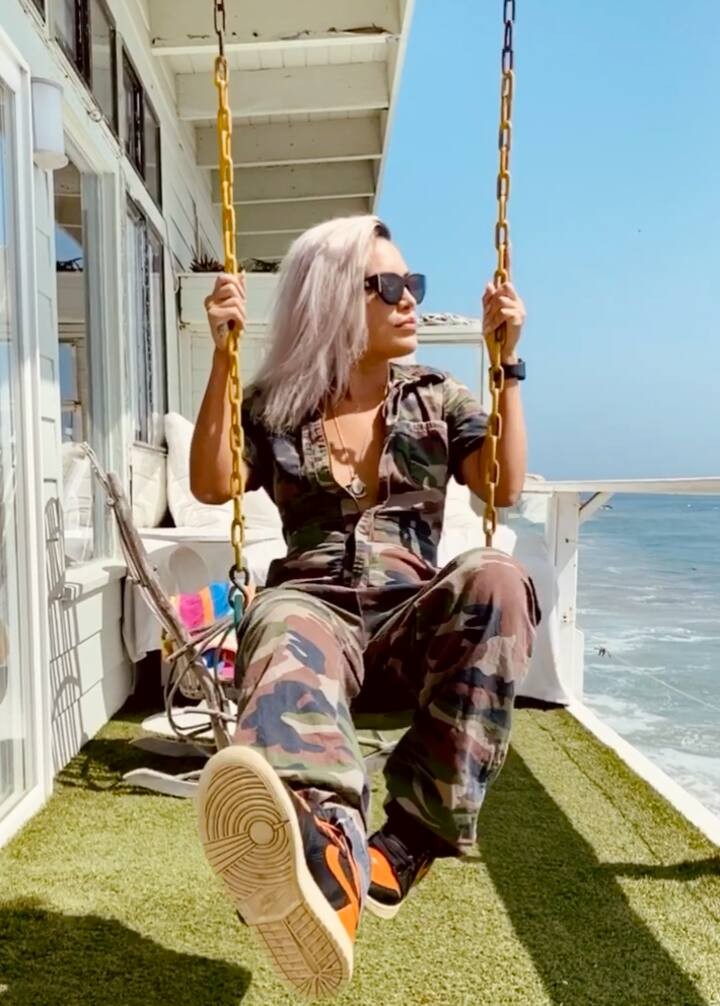 Malibu On Beach Staycation w Deck swing and daybed