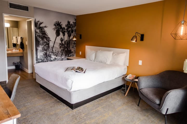 Two Bedroom King Suite at the Vagabond Motor Hotel