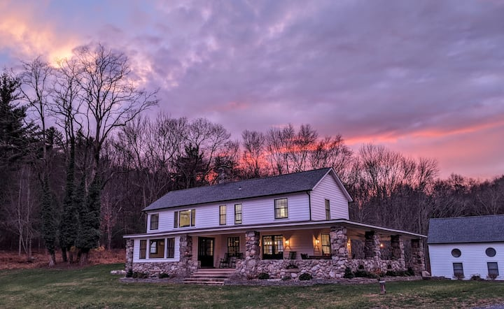 200-Acre Retreat w/ House, Cottage, Hot Tub, Pool