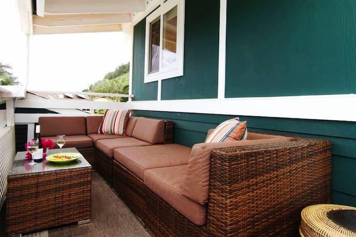New! Sunset Beach Surf Apartment. Bright & Modern