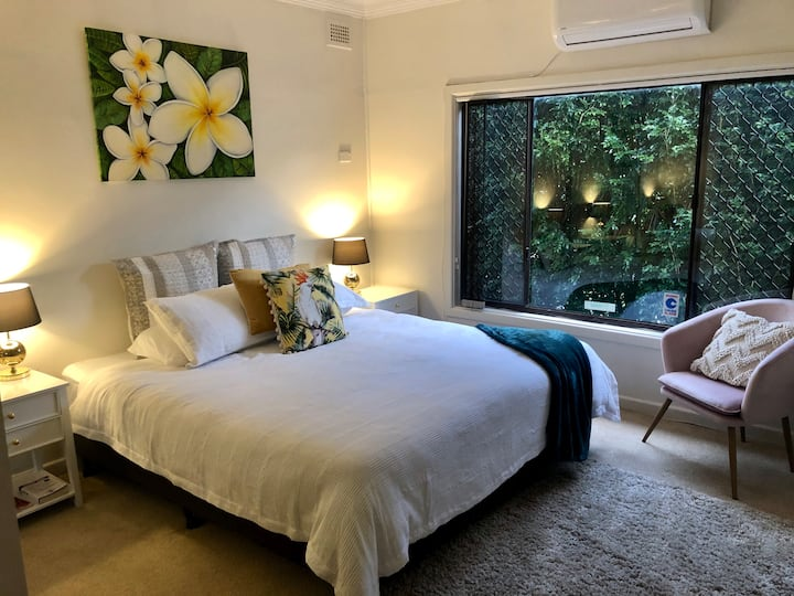 Hotel Style  Monterey Retreat near Hospitals/Beach