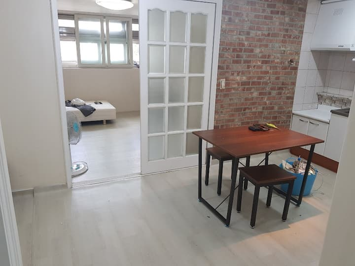 [이태원역 도보4분거리 ] Two rooms apartment In Itaewon