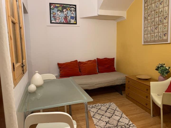 Apartamento con habitación doble en el gótico