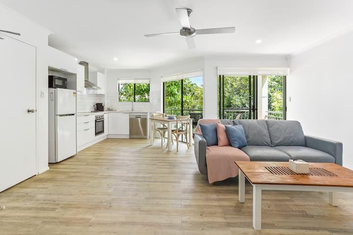 Noosa's Hidden Gem - Deluxe Tropical Retreat