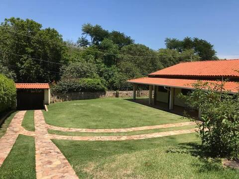 Edícula confortável - condomínio chácaras Vinhedo