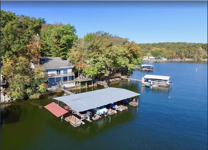 Waterfront home 5 steps to dock, shaded decks