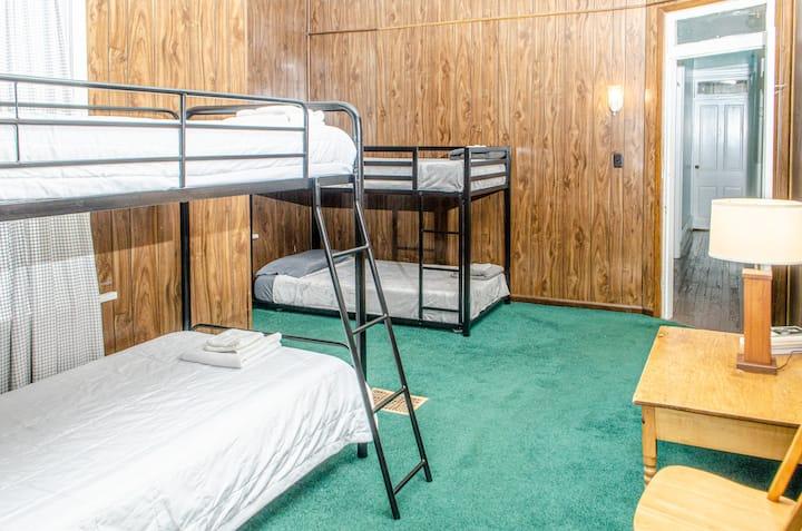 Harrisburg R&R House // Coed Rm 1-Dorm Bed 3 (btm)