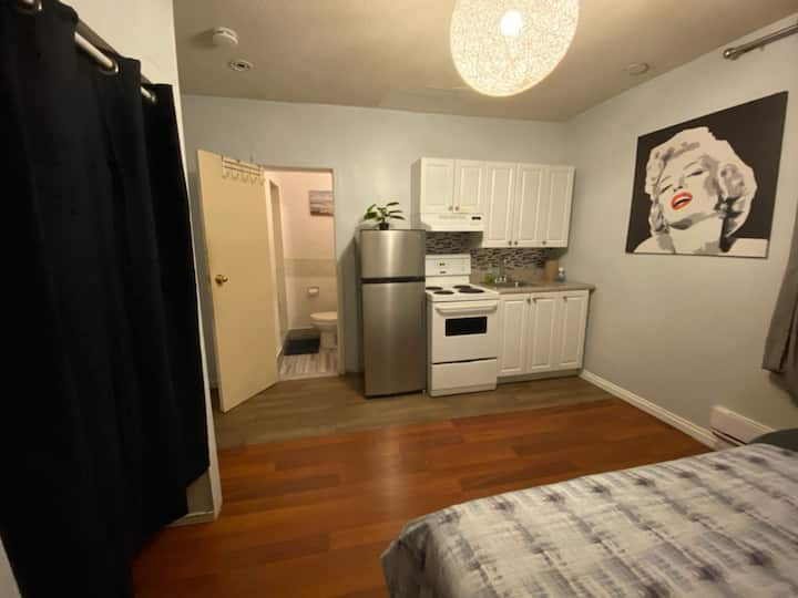 [C]Convenient private room Downtown 5 mins Eaton