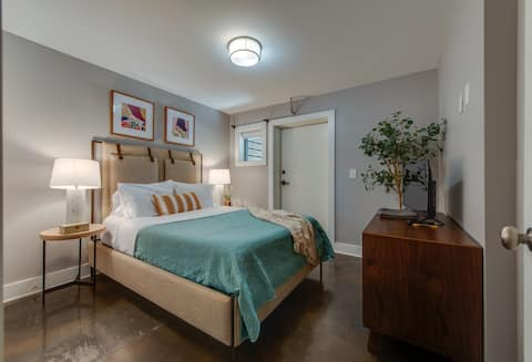 ★ Warm and Cozy 1 BR/1BA with Privacy! #104