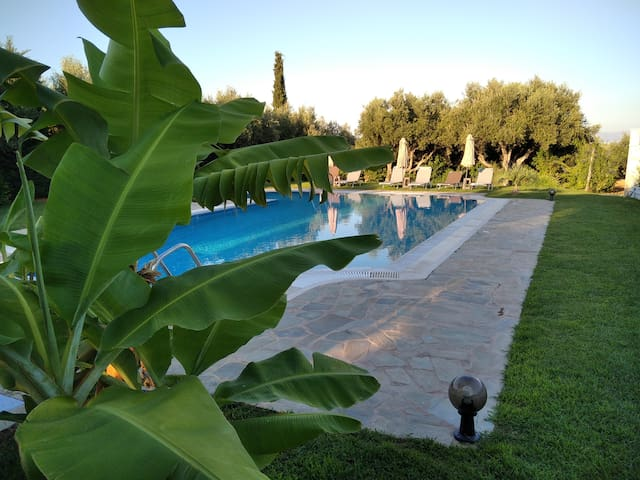 Villa Lefteri by Checkin