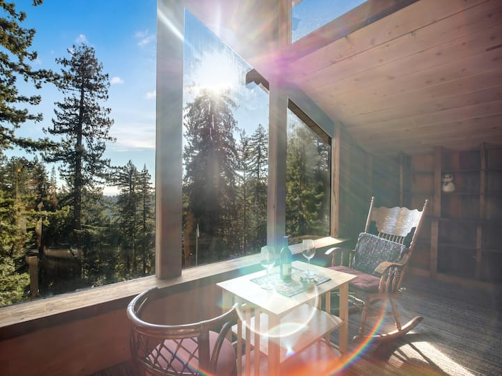 Redwood Forest Retreat Stunning Views WiFi 45 Acre