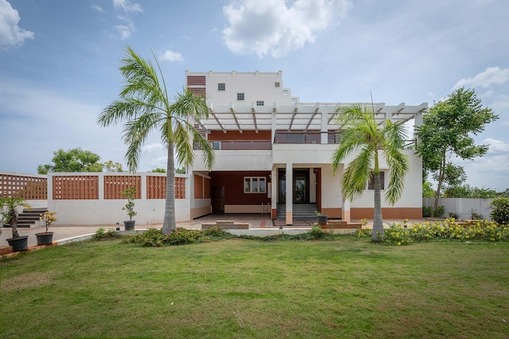 Croc Villa 3BR - Elegant villa with private pool