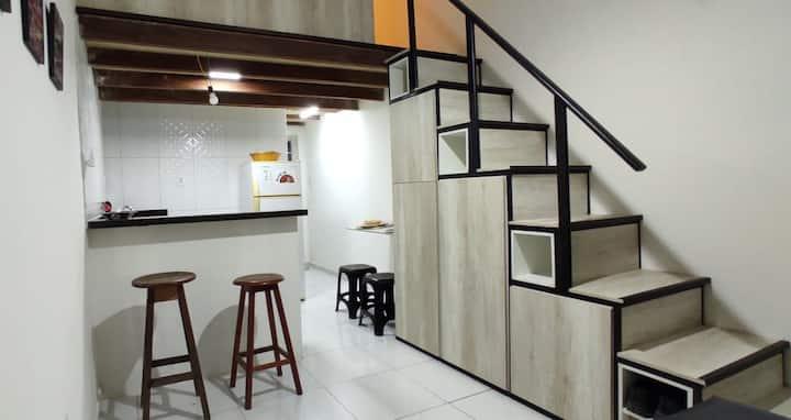 Loft Mobiliado C/ Ar Condicionado - Casa Inteira