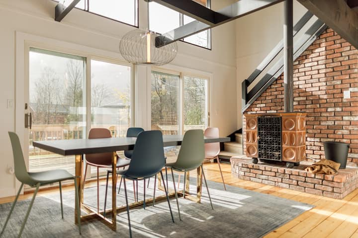 Modern Ski House Just 1 Mile from Hunter Mountain