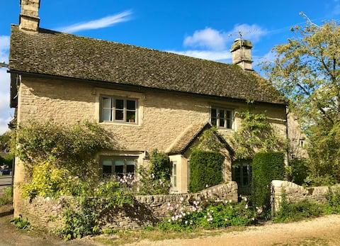 Langford - beautiful Cotswold stone cottage