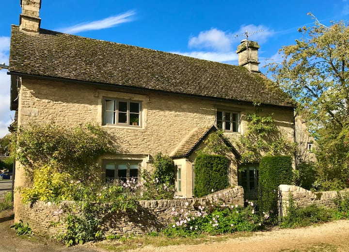 Langford - beautiful Cotswold stone cottage
