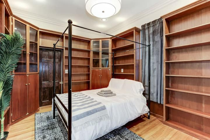 Fully-Funished Room in Sunny Capitol Hill