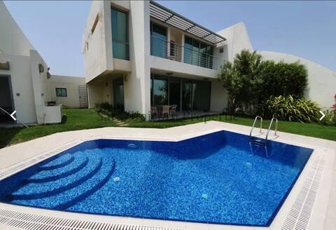 Luxury & Private beach house in Durrat El-Bahrain