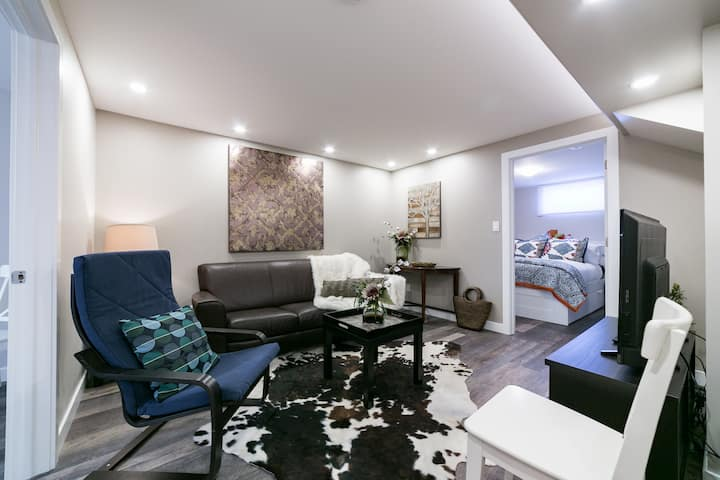 3 Bdr 1 Bath Professionally Decorated Suite