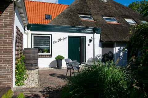 "Bnb ""Ons Stulpje"" with swimmingpool near Giethoorn"